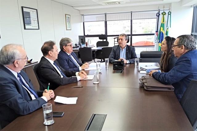 Presidente da Funasa recebe governador da PB para ampliação do acesso ao saneamento básico no estado