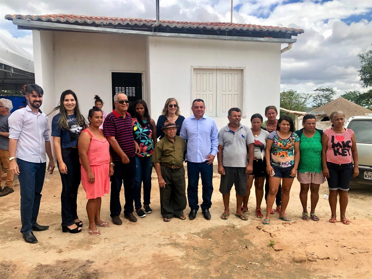 Funasa entrega 10 casas no sertão sergipano