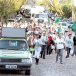 Depois dos debates, catadores realizaram caminhada em Santa Cruz do Sul (Foto: Suest/Funasa)
