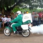 Funasa foi convidada para exibição da aplicação de inseticida pelas motos (Foto: Funasa AP)