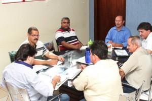 Na reunião, técnicos da Funasa de MS orientaram os representantes dos municípios (Foto: Funasa/MS)