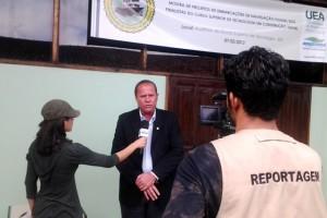 Rômulo Cruz foi entrevistado pelos alunos da UEA sobre o projeto em parceria com a Funasa (Foto: Funasa/AM)