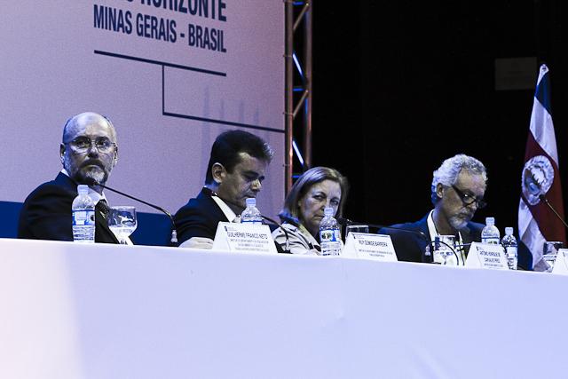 Da esq. p/ dir.: Ruy Gomide, Henrique Pires, Mara Lúcia e Leo Heller (Foto: Thiago Santos)