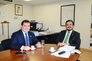 Reunião entre o presidente da Funasa Henrique Pires e o prefeito do município Tietê/SP - Foto: Edmar Chaperman