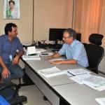 Foto: Suest/MS - Vereador, Amir Trindade e superintendente, Sérgio Vieira em reunião.