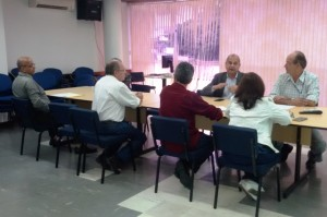 Foto: Suest/RJ - Grupo de Trabalho discutindo as diretrizes das ações contra o zika vírus.