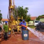 Água proveniente do poço perfurado pela equipe da Funasa - Foto: Suest/MS
